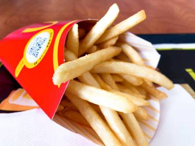 マクドナルドの「シャカシャカポテトダブルチーズバーガー味」を食べてみた!