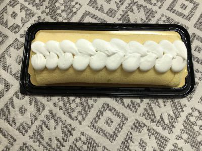 COSTCOの「抹茶&クランベリーロールケーキ」を食べてみた!