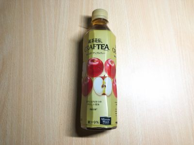 コカ・コーラの「紅茶花伝 クラフティー 贅沢しぼりアップルティー」を飲んでみた!