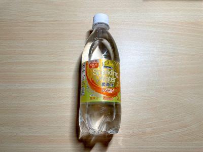 トップバリュの「Sparkling Water 炭酸水 レモン」を飲んでみた!