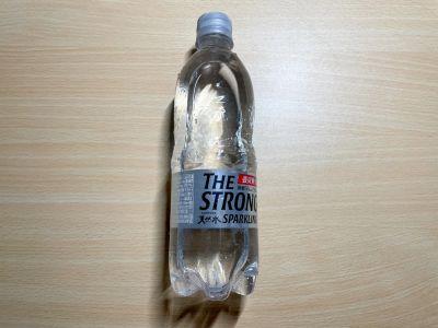 サントリーの「THE STRONG 天然水スパークリング」を飲んでみた!
